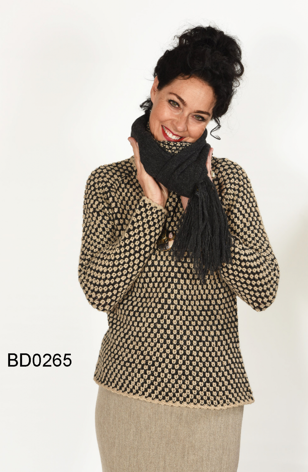0a8b84abce81dd ... Sweater with Checkerboard Pattern