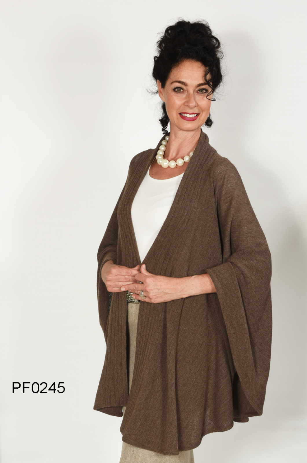 "Baby Alpaca Cape ""Aida"" with ribbed Scarf-Collar, links-knit"