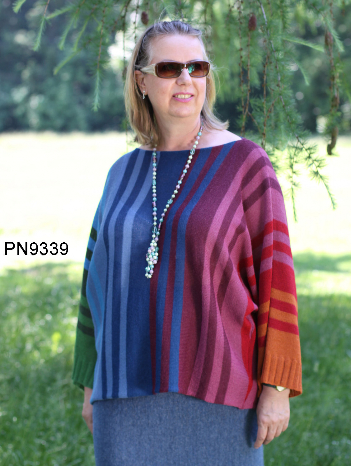 Womens Apaca Sweater in Butterfly-Form, rainbow colors, oversize
